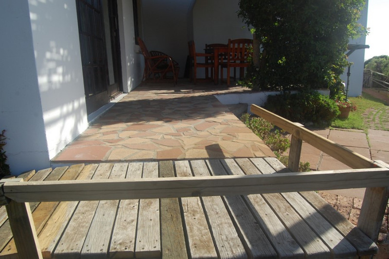 wooden-ramp-leads-to-verandah